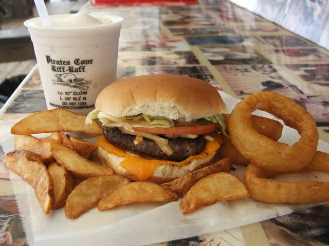 Pirates Cove Burger | best burgers in Gulf Shores