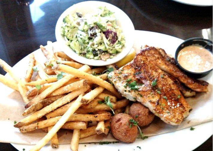 Coastal Restaurant in Gulf Shores Fish Platter