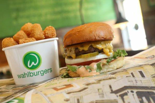 Burger & Tots