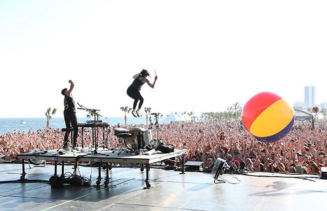 Matt and Kim at Hangout Music Festival